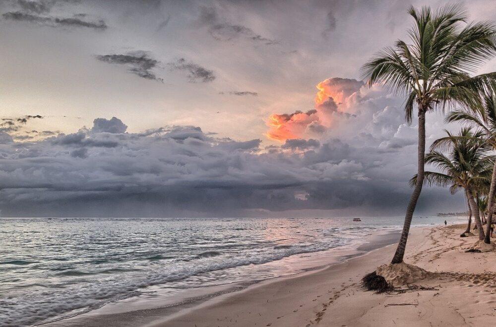 beach, sea, ocean-1236581.jpg